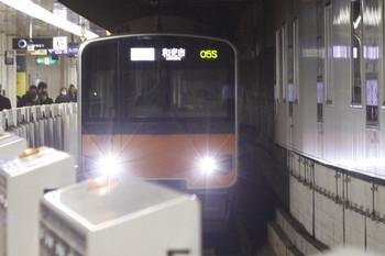 2012年3月9日、池袋、東武50077Fの1205S列車。