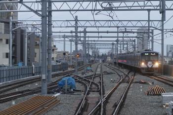 2012年2月26日、石神井公園、到着する3015Fの4204レ。