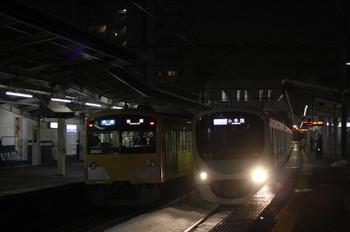 2012年2月29日、西所沢、左が3003Fの3116レ。
