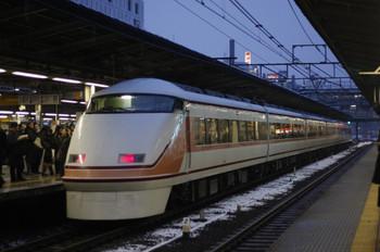 2012年2月29日、池袋、東武108Fのスペーシアきぬがわ7号。