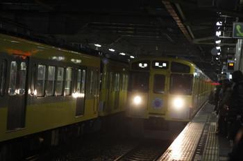 2012年3月23日、所沢、各停 飯能ゆき表示で到着の9106F・4303レ。