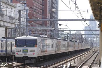 2012年3月25日、高田馬場、特急 あかぎ8号。