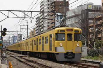2012年3月30日 12時15分頃、高田馬場~下落合、2403F+2059Fの上り拝島快速。