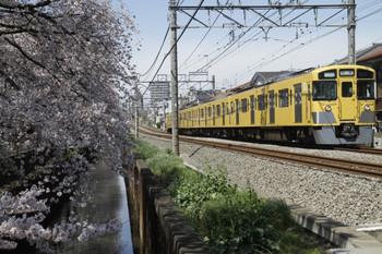 2012年4月7日 10時19分頃、武蔵関~東伏見、2511Fの上り回送列車。