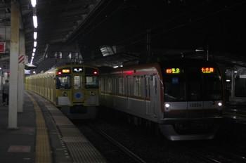 2012年4月11日、西所沢、メトロ10004Fの4703レ。