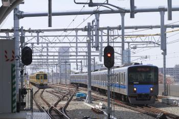 """2012年4月15日、石神井公園、右が20152Fの5648レ。"""" title="""
