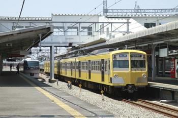 2012年5月19日、西所沢、右が271F+285Fの6137レ。