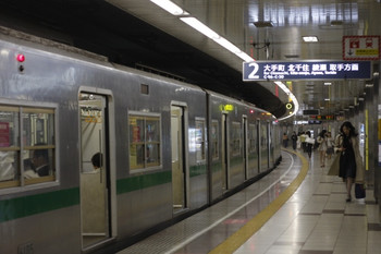 2012年5月25日、乃木坂、メトロ6005F。