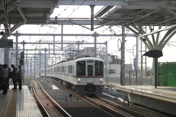 2012年6月2日、石神井公園、4003F+4013Fの1001レ。