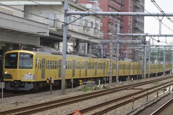 2012年6月24日、高田馬場、295F+1303Fの3303レ。