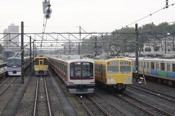 2012年7月13日、小手指車両基地、10107Fや東急4104F、271Fほか。