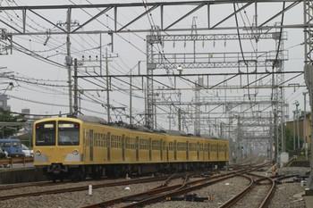 2012年7月22日 17時16分頃、西所沢、4番ホームから引き上げ線へ入る1241Fの回送列車。