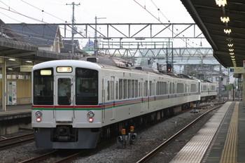 2012年7月29日 18時17分頃、仏子、発車した4009F+4013Fの下り回送列車。