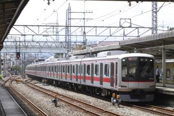2012年8月8日 13時33分頃、仏子、東急 4106Fの上り回送列車。