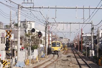 2012年8月26日、大泉学園、発車し仮線に入った1309Fの5362レ。