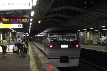 2012年8月29日 20時19分頃、東大和市、10104Fの下り臨時特急。