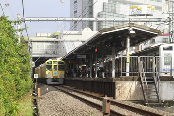 2012年9月4日、大泉学園、左が9101Fの4201レ。