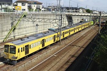 2012年9月10日 9時50分ころ、新秋津、側線で発車を待つ263Fと流鉄ゆき2両+EF65-2077。