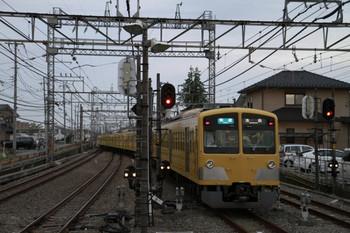 2012年10月13日、西所沢、2番ホームから発車した1303Fの7062レ。