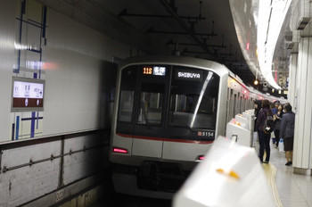 2012年10月17日、池袋、東急5154Fの711S列車。