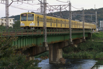 2012年10月20日、仏子~元加治、入間市内を走る1309Fの2139レ。