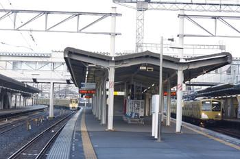 2012年10月29日 6時40分ころ、西所沢、右が到着する281F+285Fの上り回送列車。