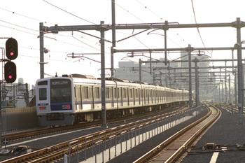 2012年11月1日、石神井公園、発車した6107Fの6856レ。