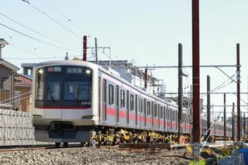 2012年11月10日、石神井公園~大泉学園、東急4105Fの4851レ。