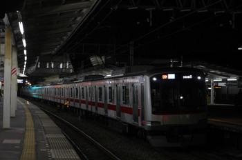 2012年11月12日、西所沢、東急4105Fの4703レ(06M運用)。