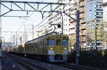 2012年12月11日、高田馬場~下落合、2403F+2007Fの2754レ。