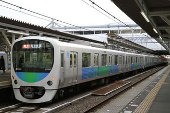 2013年1月6日、所沢、32105F+38113Fの2678レ。