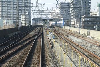 2013年1月13日、練馬高野台駅の上り方、下り各停から撮影。