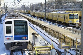 2013年1月19日、小手指車両基地、縦列留置の1309Fと285F(?)・281F。