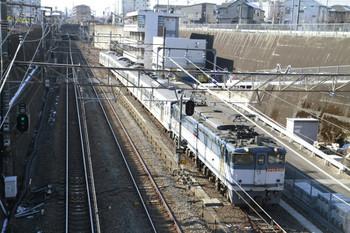 2013年1月20日、新秋津、府中本町方から到着するEF65-2138+西武1253Fの貨物列車。