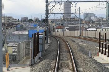 2013年1月26日、石神井公園~大泉学園、下り列車の運転台後ろから。石神井公園駅の高架から降りる地点。