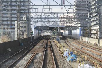 2013年1月26日、練馬高野台、下り各停運転台後ろから駅到着前に撮影。