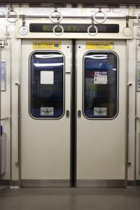 2013年2月19日、6156Fの側扉の車内側。