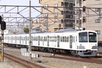 2013年3月2日 14時48分、東村山、発車した1241Fの新宿線 下り回送列車。