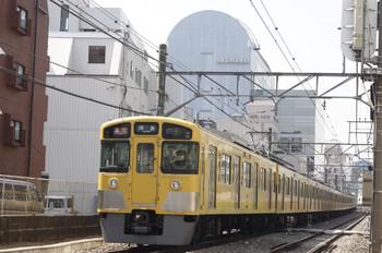 2013年3月22日 12時29分頃、高田馬場~下落合、2065F+2405Fの急行 拝島ゆき。