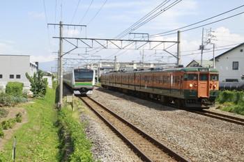 2013年9月1日、井野、E233系の845Mと115系3連の上り列車。