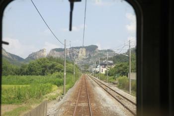 2013年9月1日、両毛線 佐野~岩舟駅間を走る列車前頭部から。