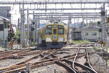 2013年10月13日 9時50分頃、飯能、発車した東飯能ゆき下り臨時列車(9106F)。