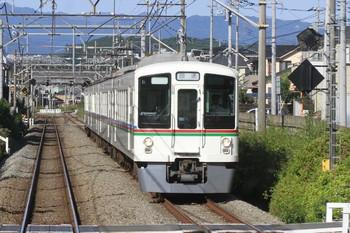 2013年10月13日 8時47分頃、元加治~飯能、4017Fの上り回送列車。下り列車から撮影。