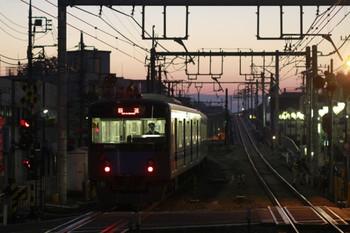 2013年11厚24日 6時0分頃、大泉学園、通過した20152Fの上り回送列車。