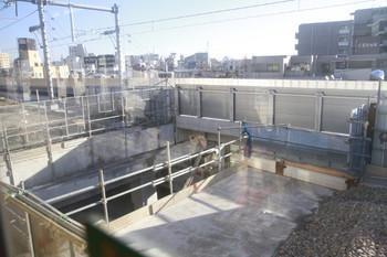 2013年12月21日、石神井公園駅の大泉学園方、高架橋の床が途切れた部分。