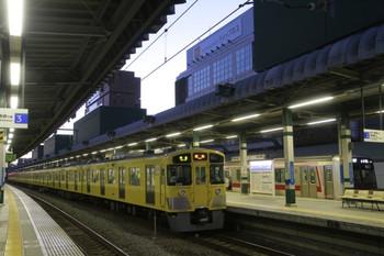 2014年1月11日、成間、2075Fの4107レと東急5161Fの6801レ。