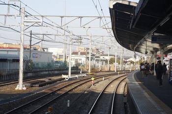 2014年1月22日、狭山ヶ丘駅の下り方、下り列車先頭部から。