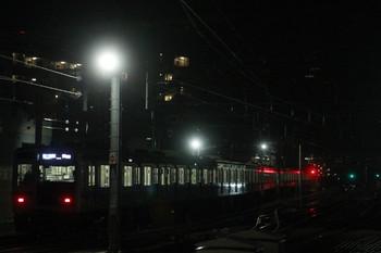 2014年1月26日、石神井公園、発車した6109Fの6501レ。いつもは右に8連の回送列車がスタンバイしてます。