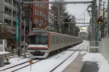 2014年2月15日 16時23分頃、江古田、メトロ10107Fの各停 飯能ゆき。