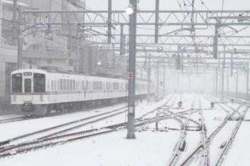 2014年2月8日、石神井公園、6分ほど遅れの4005F+4019Fの1003レ。